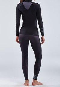 Skins - THERMAL - Sports shirt - black - 1