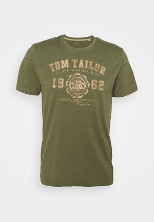 LOGO TEE - T-Shirt print - oak leaf green