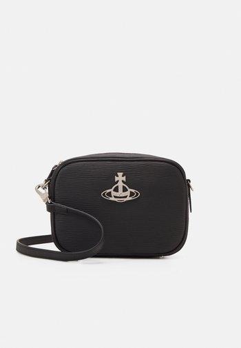 POLLY CAMERA BAG UNISEX - Across body bag - black