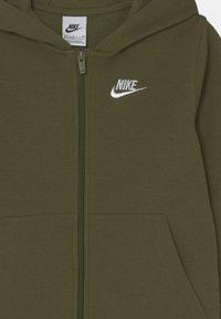 Nike Sportswear - HOODIE CLUB  - Sweater met rits - rough green/white - 2