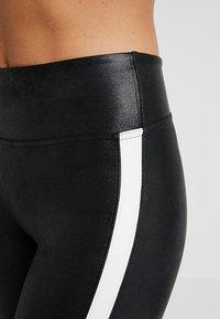 Spanx - SIDE STRIPE LEG - Leggings - Stockings - very black/white - 4