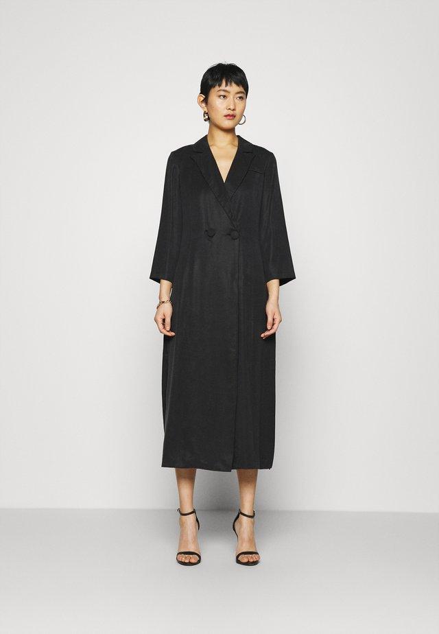 MOVE ON - Denní šaty - black