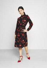 ONLY - ONLNOVA LUX SMOCK DRESS - Sukienka letnia - black - 1