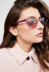 VOGUE Eyewear - Occhiali da sole - pink - 1