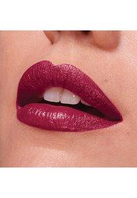 Maybelline New York - COLOR SENSATIONAL THE CREAMS - Lipstick - berry go - 3