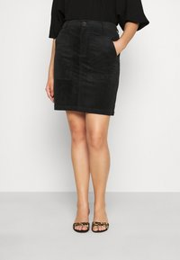 Vero Moda Curve - VMLORA ABOVE KNEE SKIRT - Mini skirt - black - 0