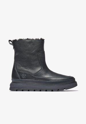 Winter boots - jet black