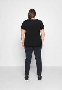 Anna Field Curvy - T-shirt imprimé - black - 2