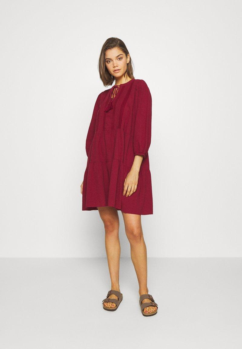 Vero Moda - VMMUSTHAVE BOHO 3/4 TUNIC  - Day dress - red