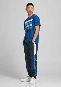 Jack & Jones - Print T-shirt - galaxy blue - 1