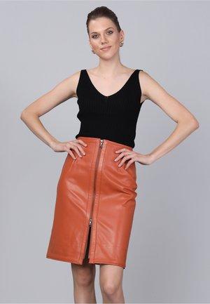 Leather skirt - orange