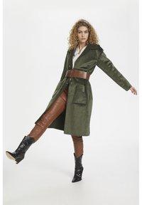 Denim Hunter - DHBELLE SHEARLING COAT - Płaszcz wełniany /Płaszcz klasyczny - forest night - 2