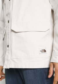 The North Face - MENS VAN LIFE UTILITY JACKET - Outdoor jacket - raw undyed - 5