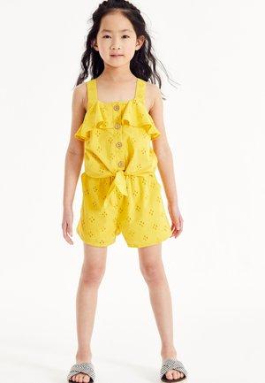 Short - light yellow
