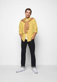 Polo Ralph Lauren - LONG SLEEVE SPORT - Hemd - fall yellow - 1