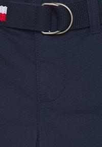 Tommy Hilfiger - ESSENTIAL BELTED - Shorts - twilight navy - 2