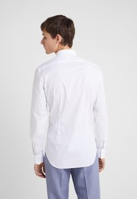 CC COLLECTION CORNELIANI - LONG SLEEVED SHIRT - Zakelijk overhemd - white - 2