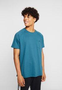 Burton Menswear London - SADDLE SLEEVE TEE - Basic T-shirt - teal - 0