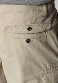 Napapijri - N-ICE CARGO - Shorts - natural beige - 6