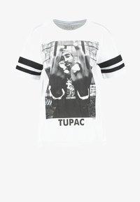Urban Classics - 2PAC - T-shirt con stampa - white - 5