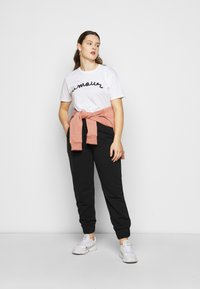 CAPSULE by Simply Be - JOGGER - Verryttelyhousut - black - 1