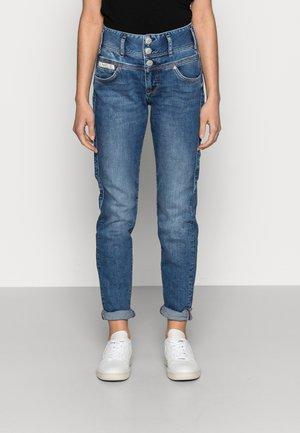 RAYA BOY - Slim fit jeans - retro marvel