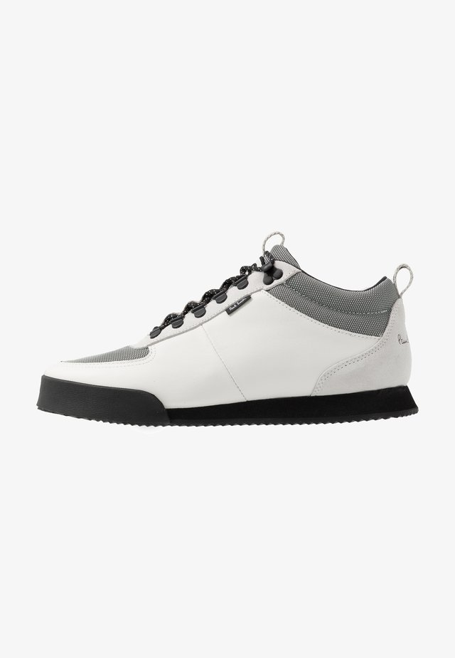 HARLAN - Trainers - white