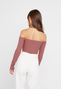 Missguided Petite - SQUARE NECK CROPPED - Strickpullover - mocha - 2