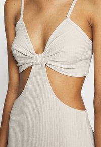 Nly by Nelly - CUT OUT MIDI DRESS - Day dress - creme - 4