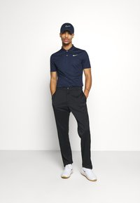 Nike Golf - DRY VICTORY SOLID SLIM - Sports shirt - obsidian/white - 1