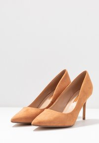 Dorothy Perkins - DELE POINT COURT - Højhælede pumps - tan