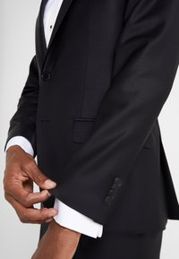 KARL LAGERFELD - SUIT VIBRANT - Dress - black - 10