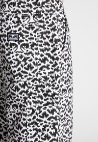 Obey Clothing - HARDWORK FUZZ PANT - Jeans relaxed fit - black multi - 4