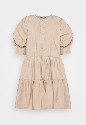 PLEAT FRONT PUFF SLEEVE SMOCK DRESS - Korte jurk - beige