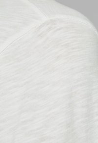 Jack & Jones - Basic T-shirt - cloud dancer - 5