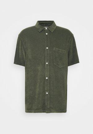 SHORT SLEEVE - Shirt - grey fir