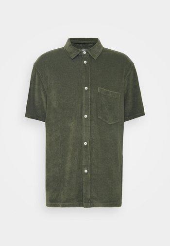 SHORT SLEEVE - Camisa - grey fir
