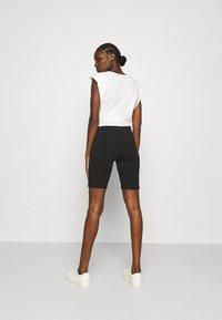Lounge Nine - Shorts - pitch black - 2