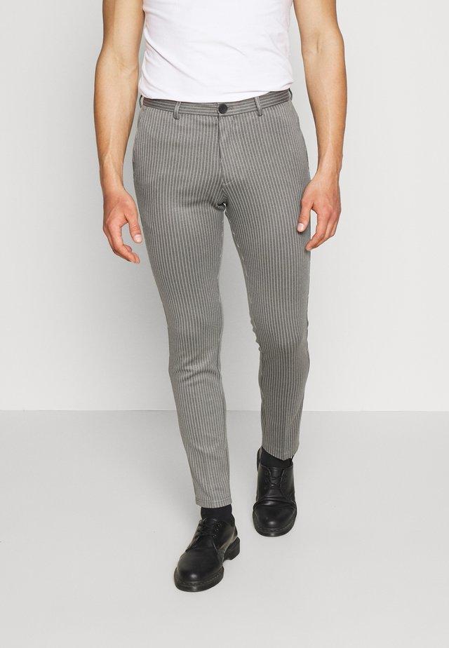 JJIMARCO JJPHIL NOR PIN - Pantalones - grey melange