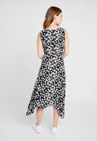 Wallis Petite - DAISY HANKY HEM DRESS - Maxi dress - black - 2
