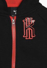 Nike Sportswear - KYRIE PANT SET - Mikina na zip - black - 5