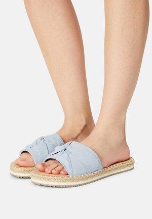 Sandaler - pastel blue