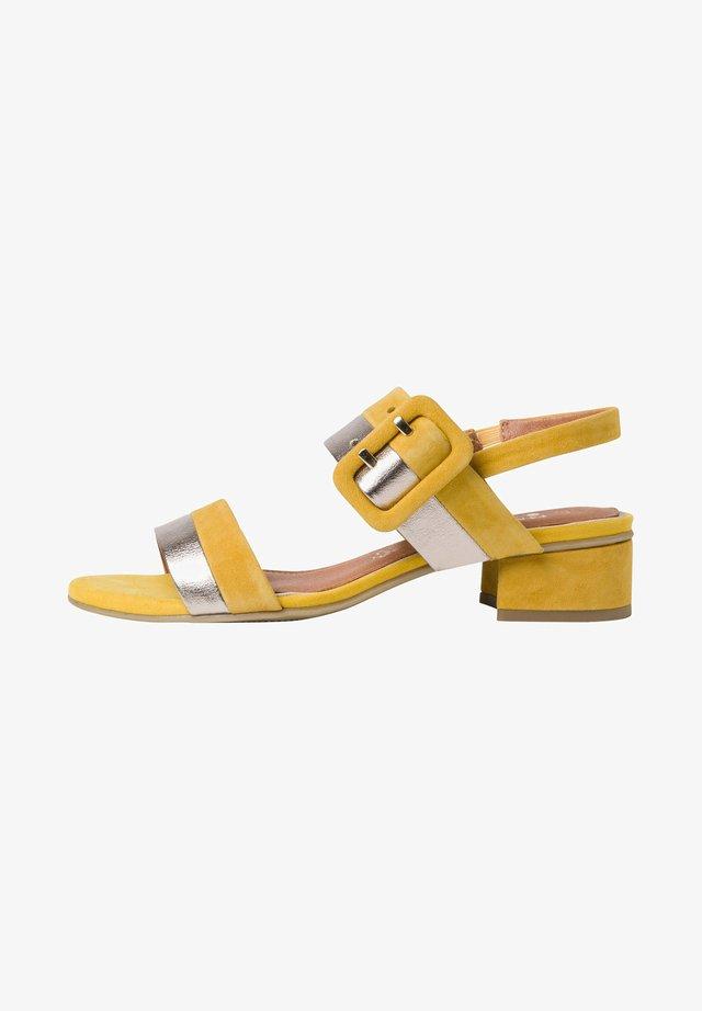 Sandales - saffron comb