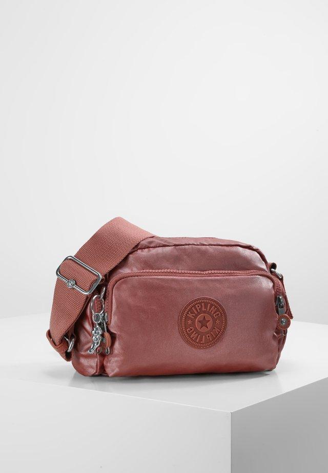 JENERA S - Across body bag - metallic rust