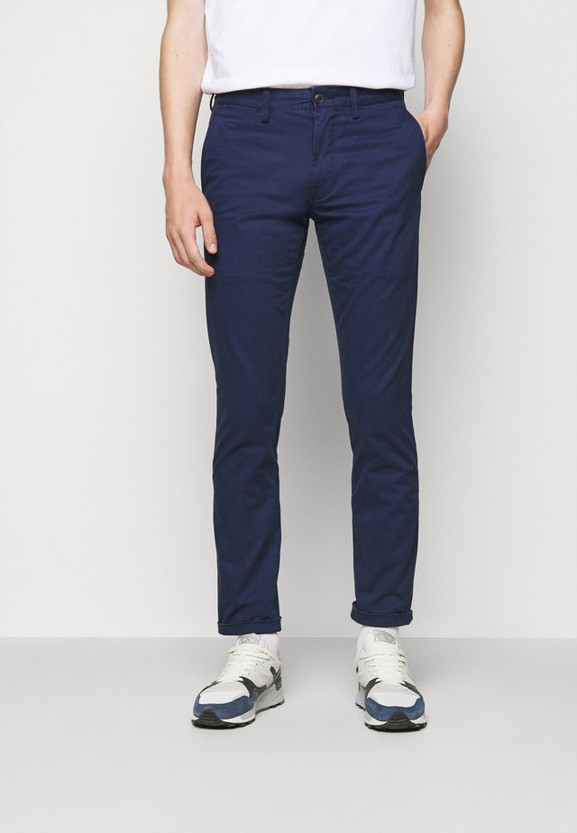 SLIM FIT BEDFORD PANT - Chino - cruise navy