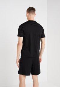 Neil Barrett BLACKBARRETT - BOXING GLOVES  - T-shirts print - black/white - 2