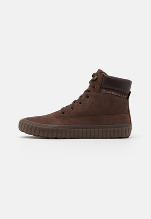 PASSPORT CLASSIC - Sneakers hoog - chocolate
