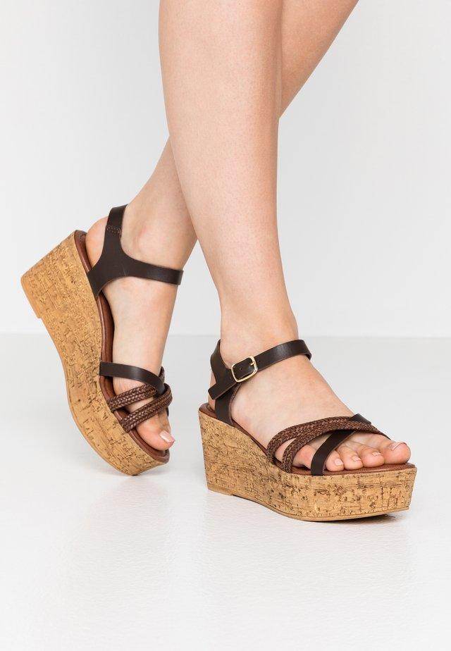 Sandalias con plataforma - mocca