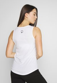 ONLY Play - ONPPERFORMANCE - Topper - white - 2