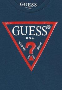 Guess - TODDLER CORE - T-shirt print - beauty blue - 3